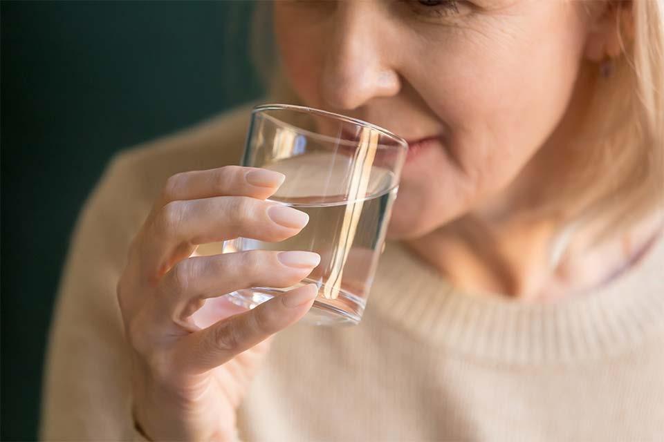 نکاتی برای جلوگیری از ابتلا به عفونت ادراری در سالمندان