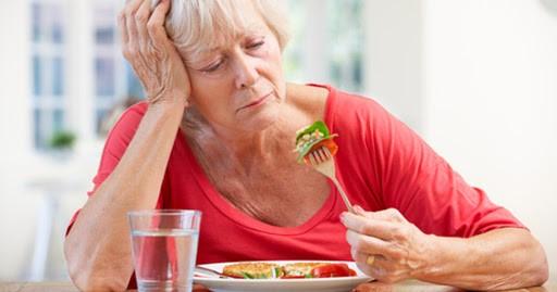تغذیه در بیمار مبتلا به آلزایمر برای از دست دادن اشتها