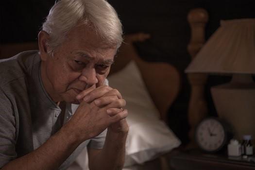 اختلال خواب در بیمار مبتلا به آلزایمر، علامت دیگر این بیماری است