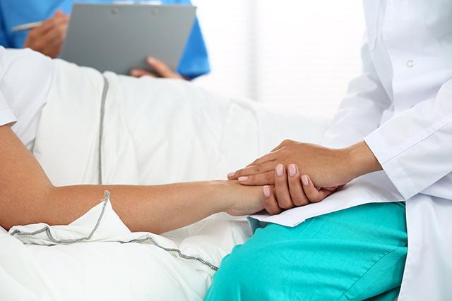 خدمات درمان در منزل امداد کلینیک
